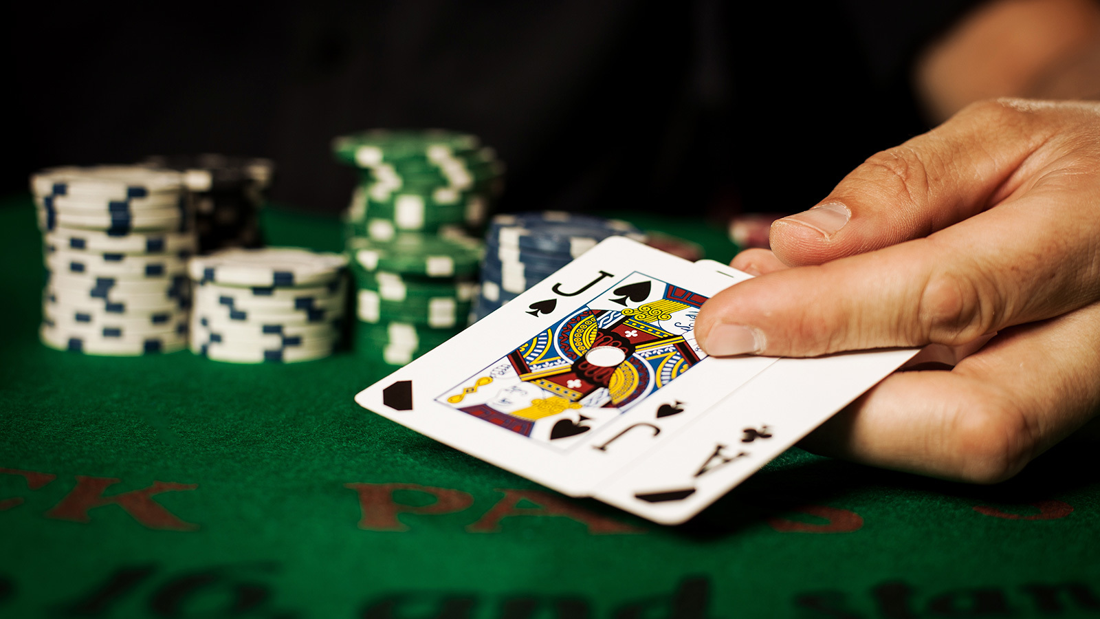 Take care while you deposit money in online casino